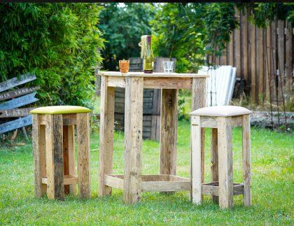 Mobilier de jardin en bois recyclé